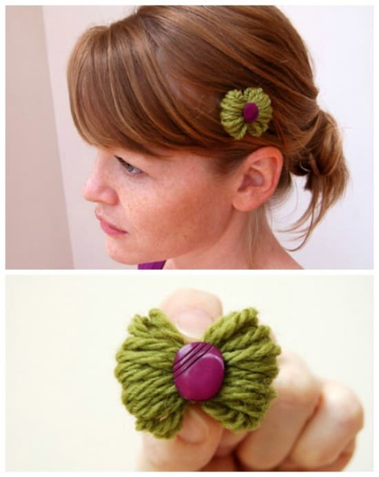 Petite yarn bow with a button