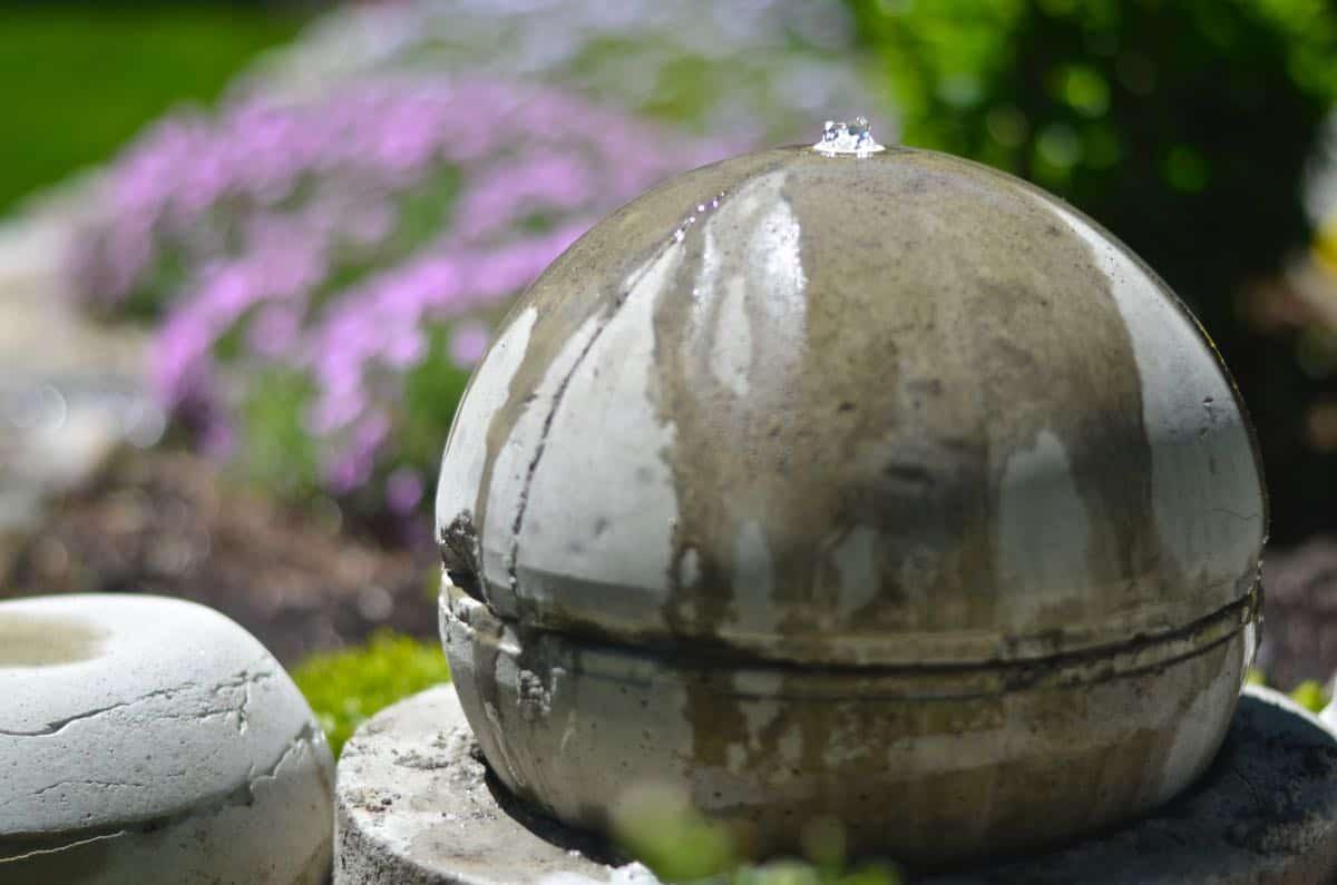 Round concrete water fountain