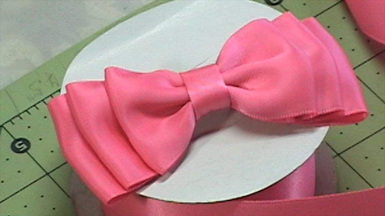 Triple latered ribbon bow