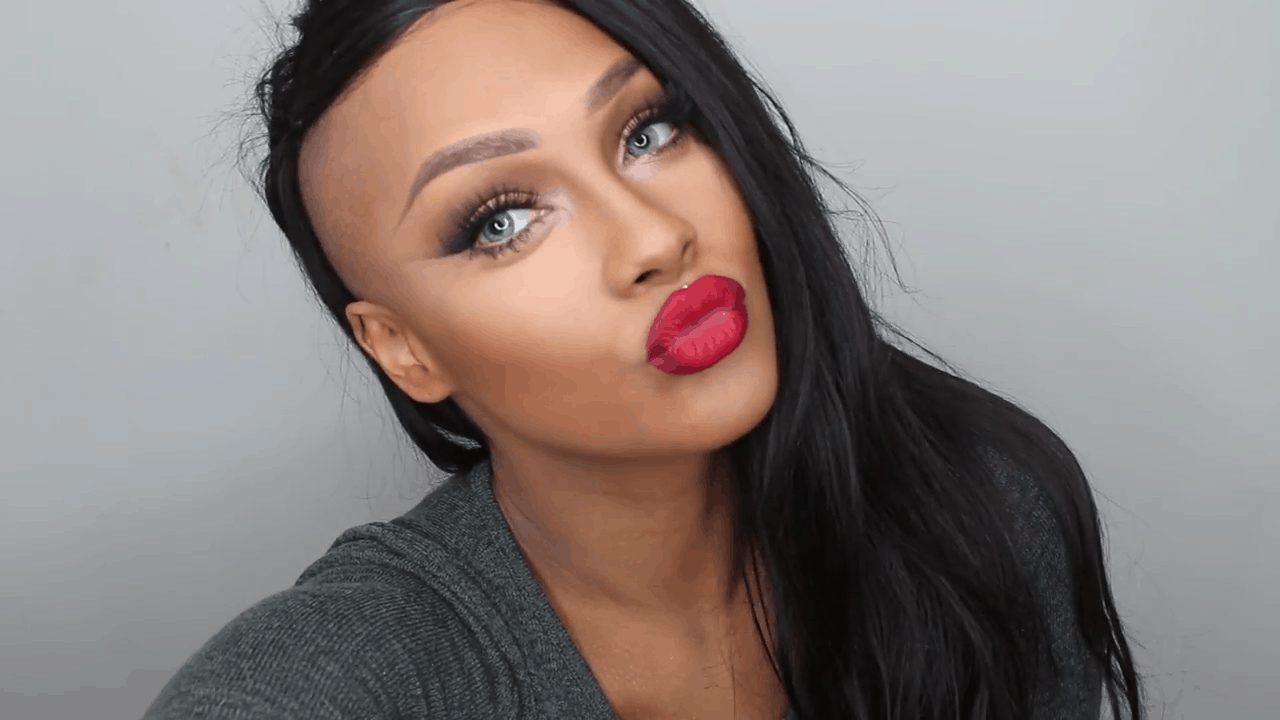 Classic red ombre lips