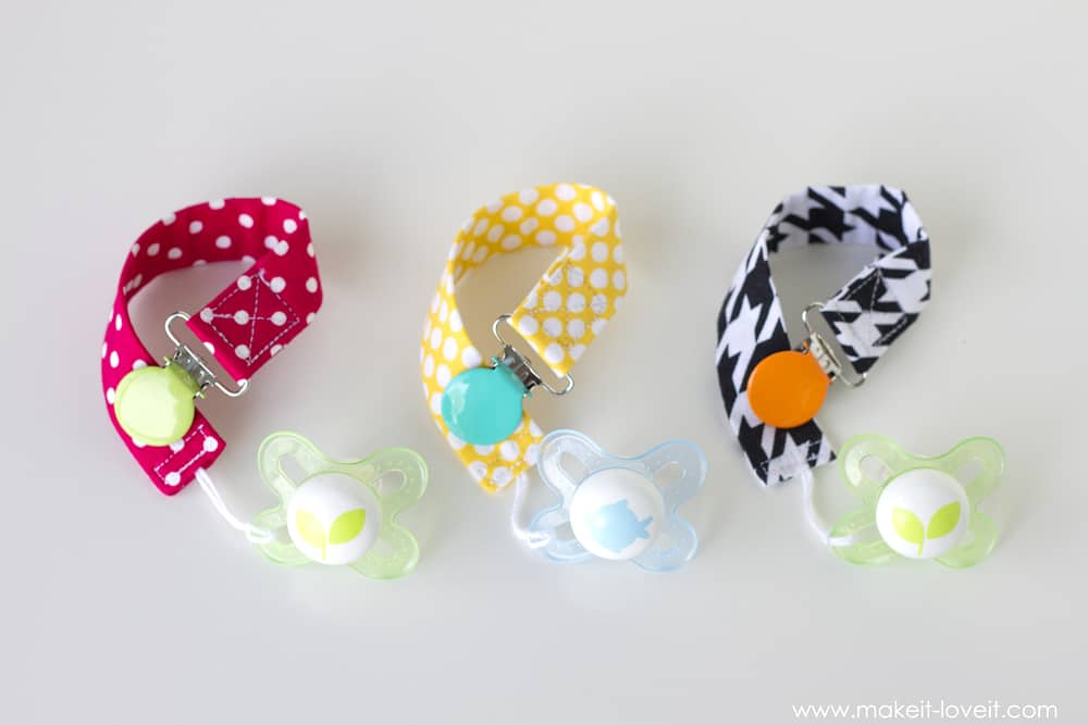 Patterned pacifier clips