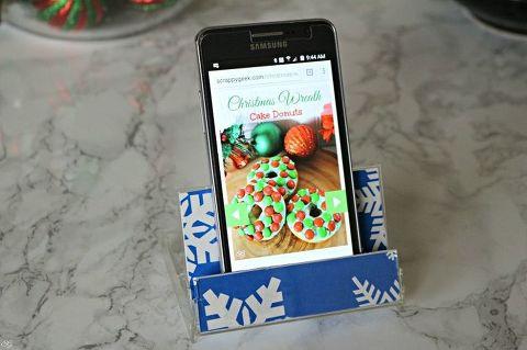 Cassette tape smartphone stand