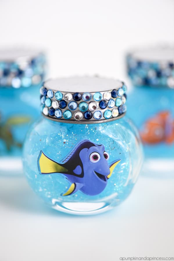 2aabfd89f8c Just Keep Swimming  13 DIY Finding Dory Projects