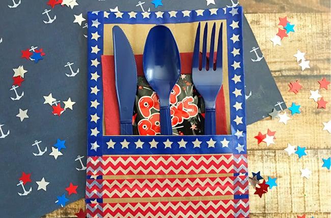 Patriotic cutlery holder