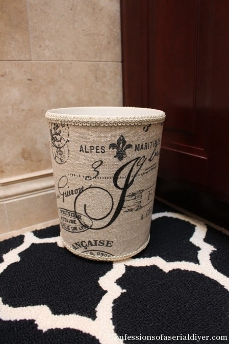 Vintage style trash can