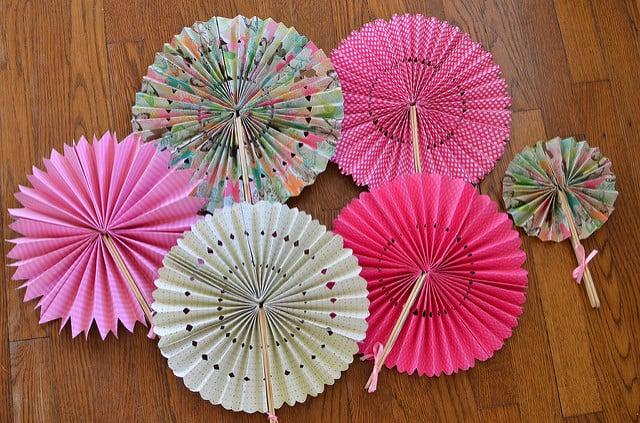 Wheel paper fans
