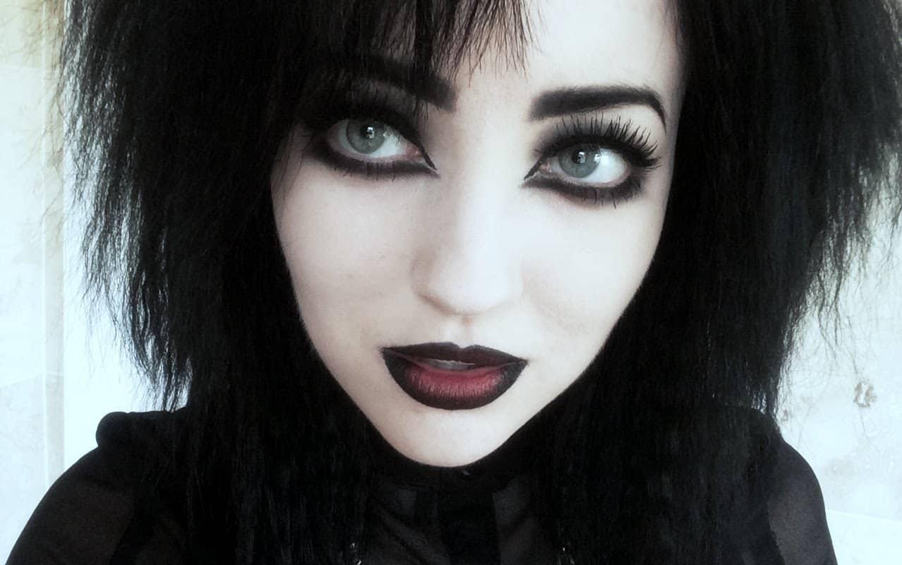 Classic goth makeup