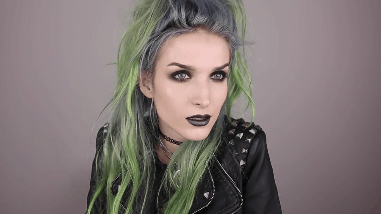 Dark witchy makeup