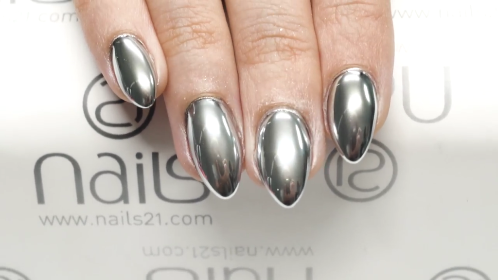 Modern and trendy manicure diy almond nails 5 silver mirror almond nails solutioingenieria Images