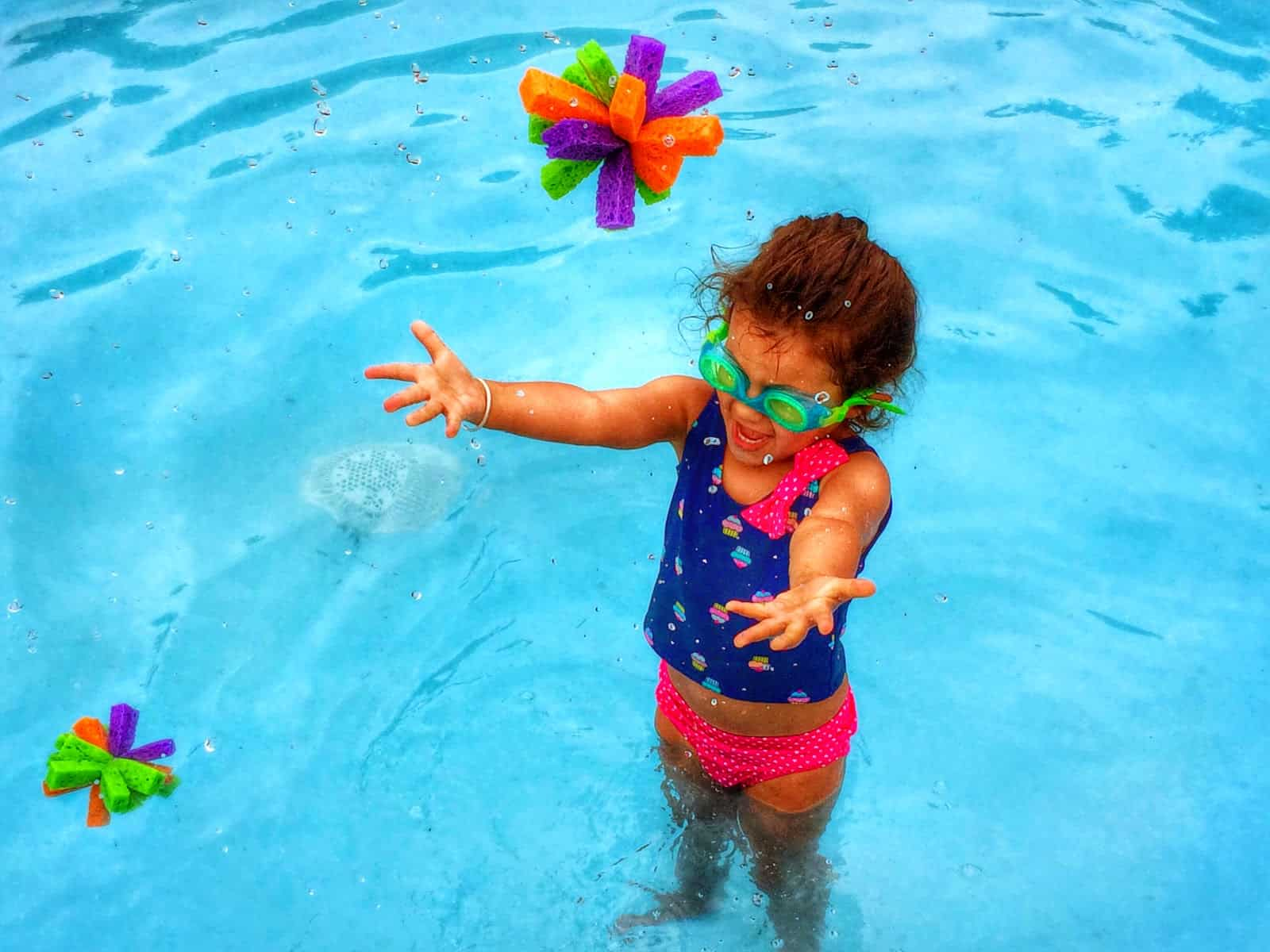 Wet water sponge toys