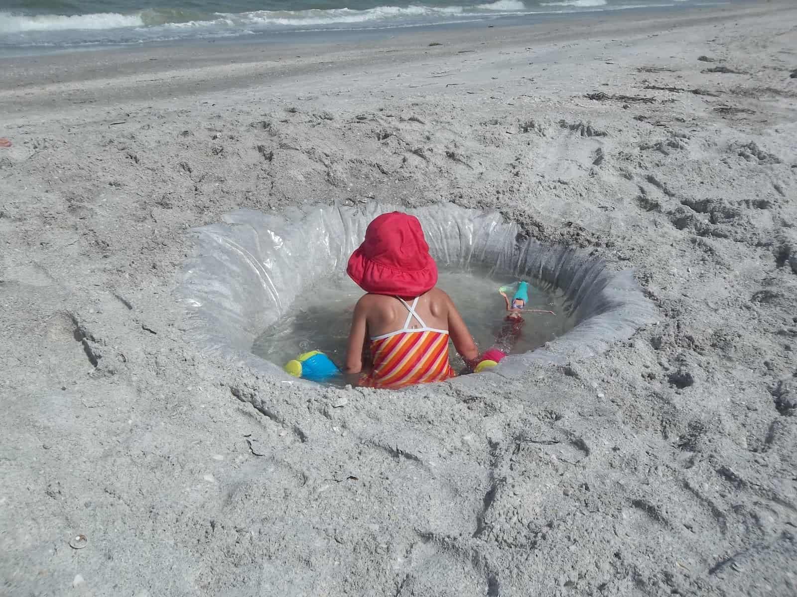 DIY kiddie pool in the sand