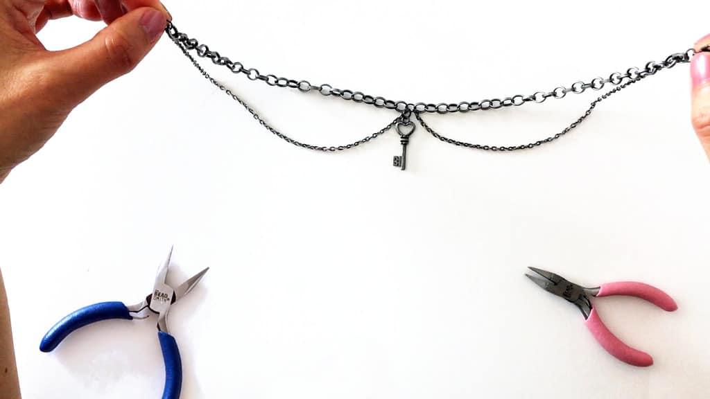 Dual chain and key charm choker