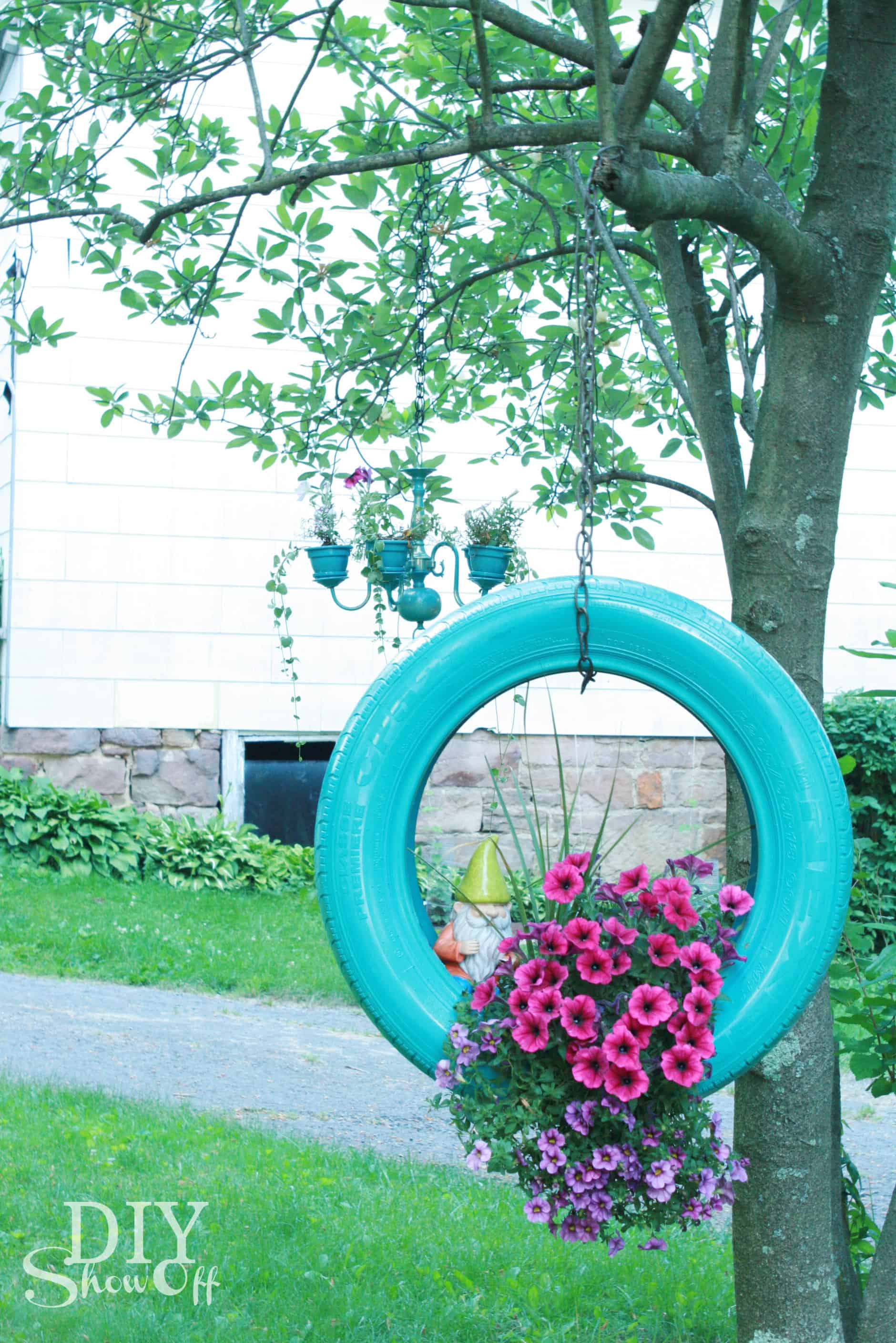 12 Tree Decor Ideas That Will Give Your Backyard Personality
