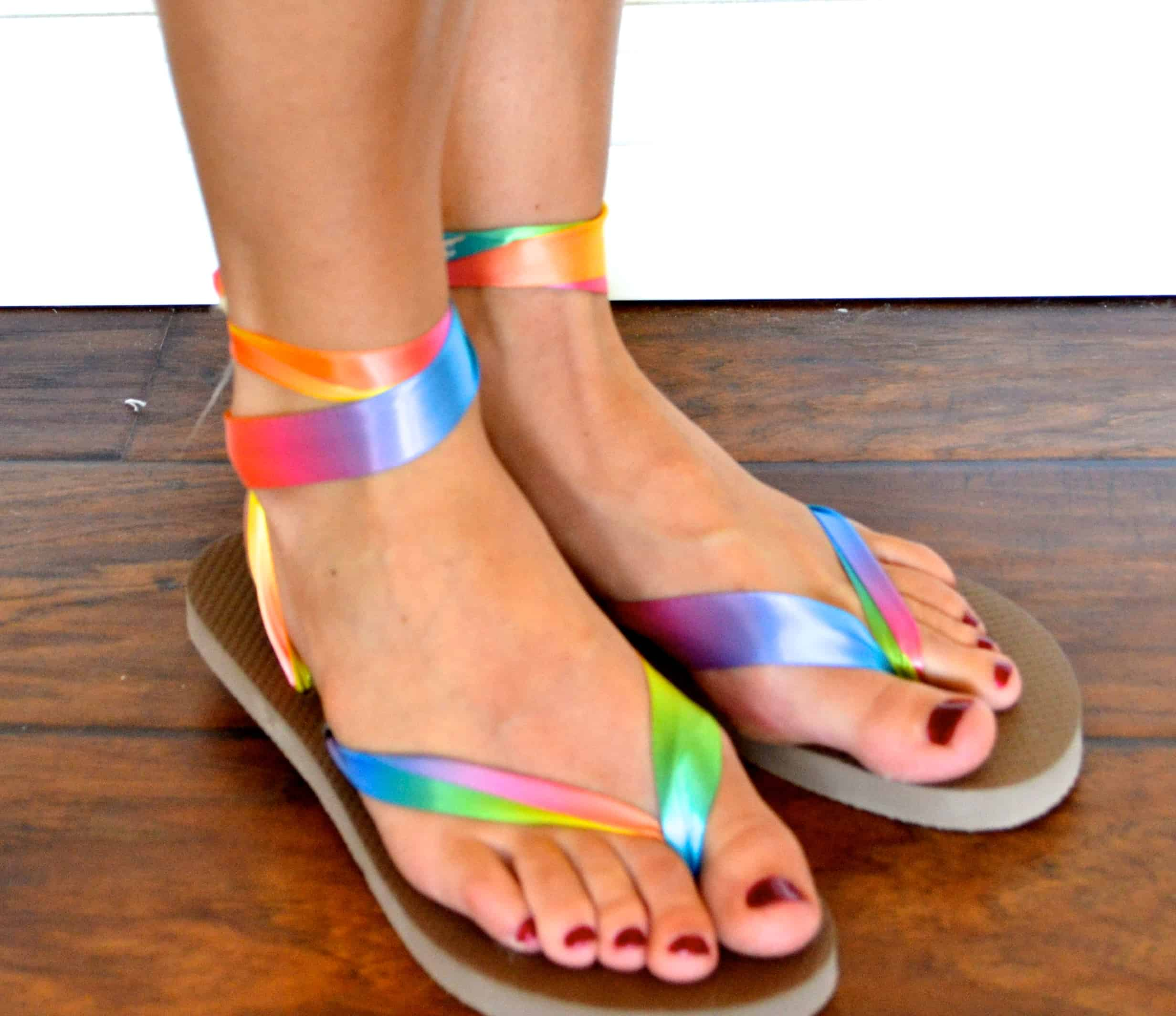 Pretty tying rainbow ribbon sandals