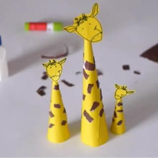 15 Super Fun Giraffe Themed Crafts