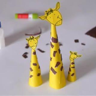 15 Super Fun Giraffe Themed Crafts