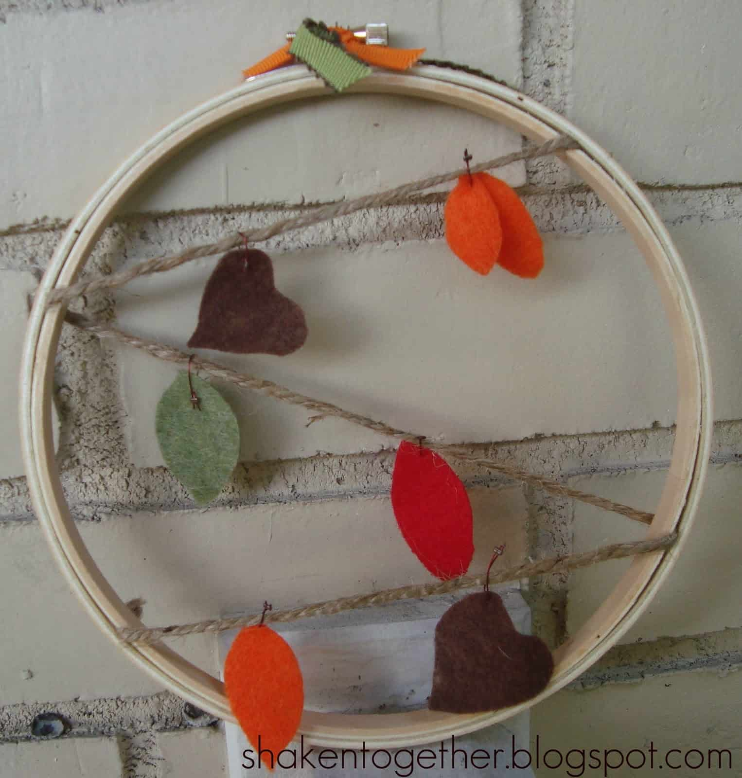 15 Awesome Projects Made Using Embroidery Hoops