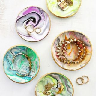 15 Pretty Handmade Gift Ideas Made of Clay
