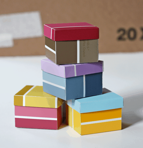 Mini gift boxes from paint samples