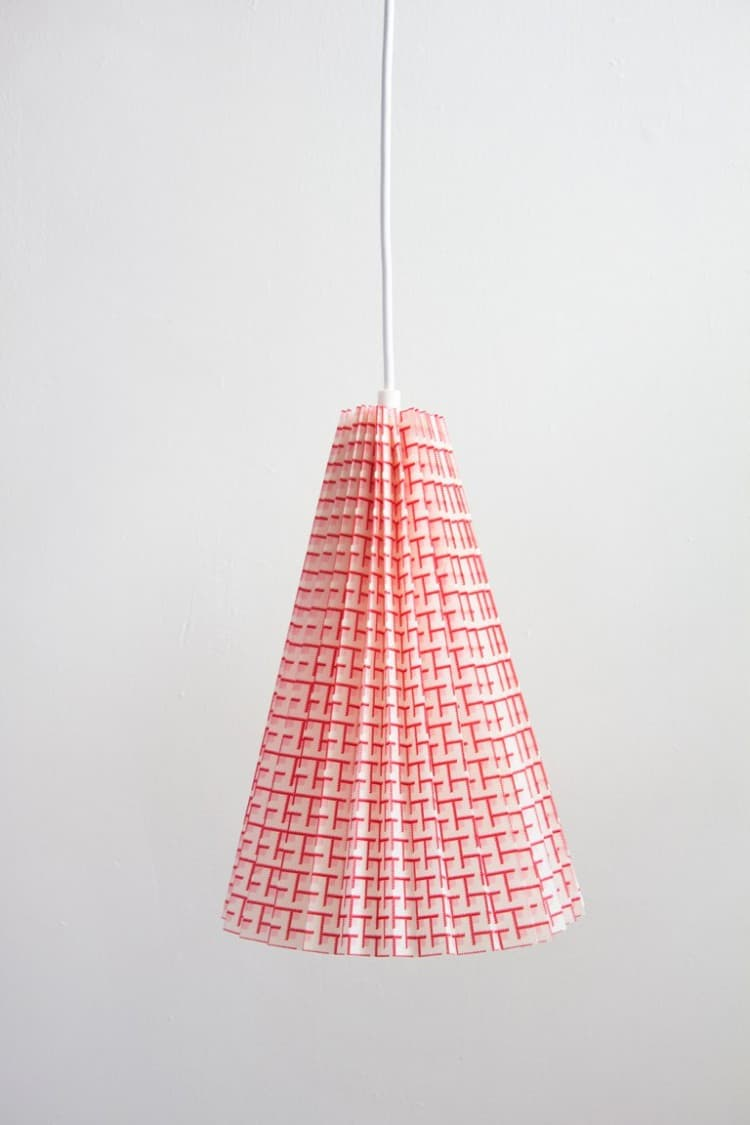 No-sew pleated fabric pendant light