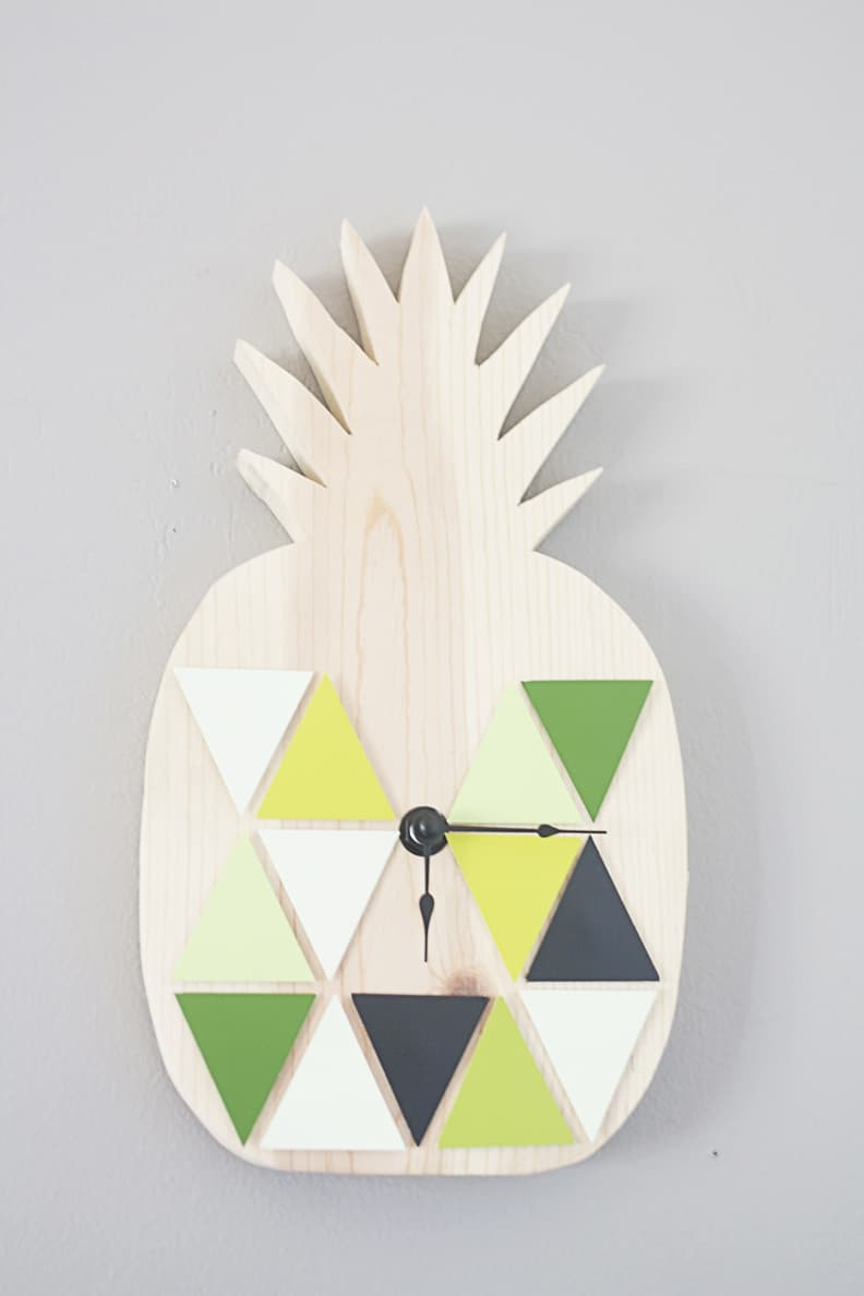 Wooden gemoetric pineapple clock