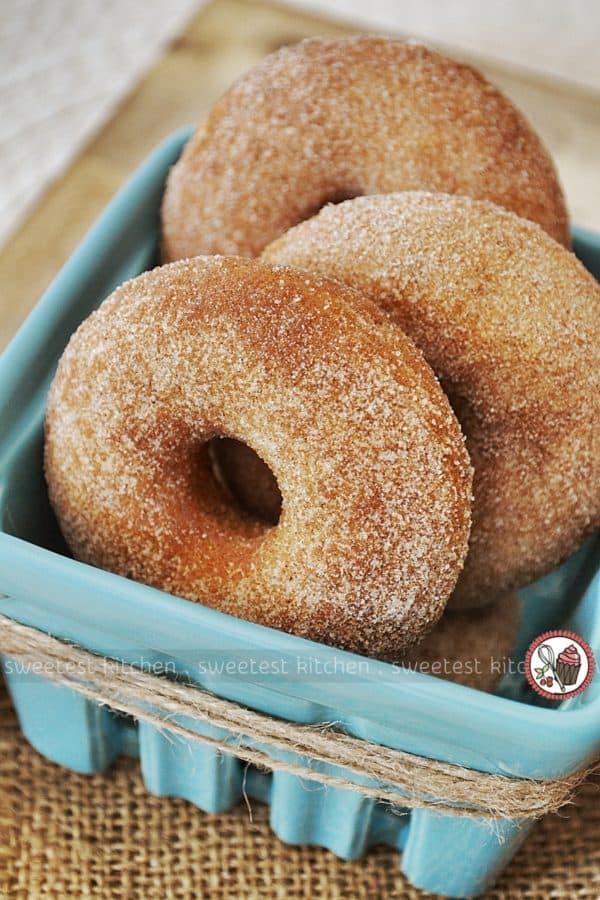Baked cinnamon donuts