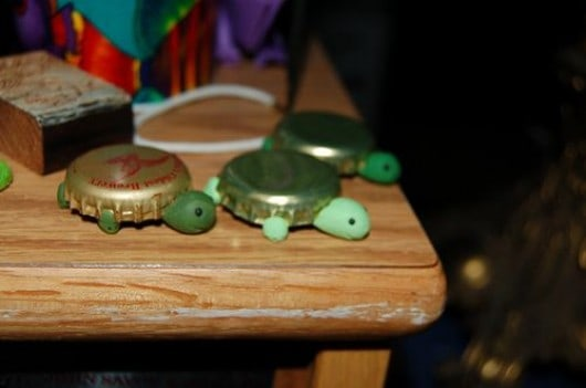 Cute bottle cap turtles
