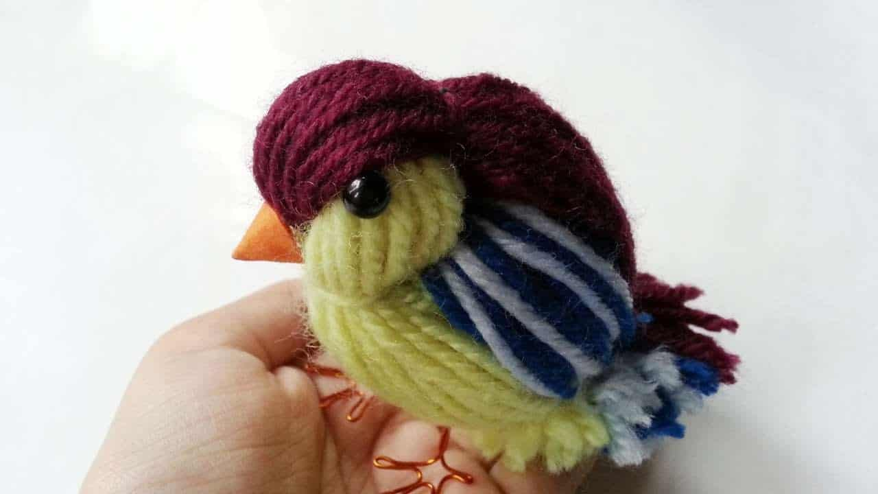 Cute yarn bird