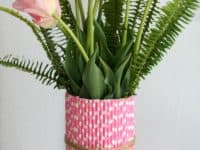 Paper straw flower vase 200x150 Going Green: 15 Interesting Ways to Craft With Straws