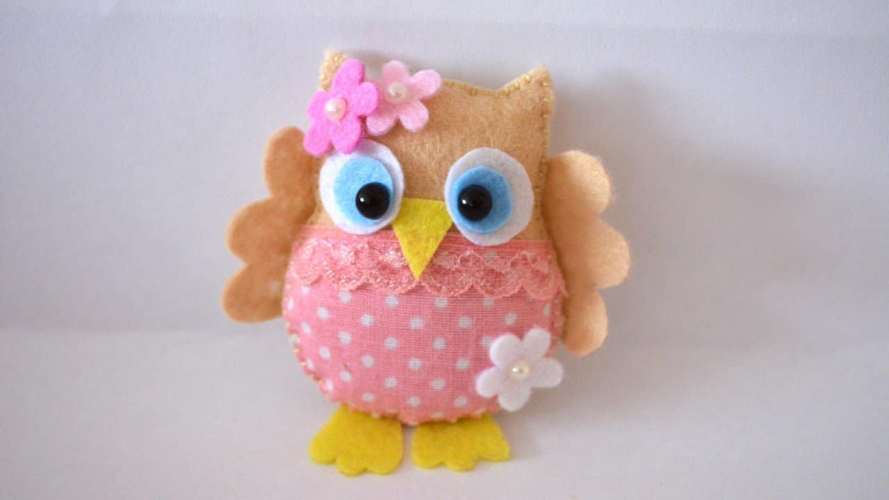 Pretty felt and fabric owl stitching project