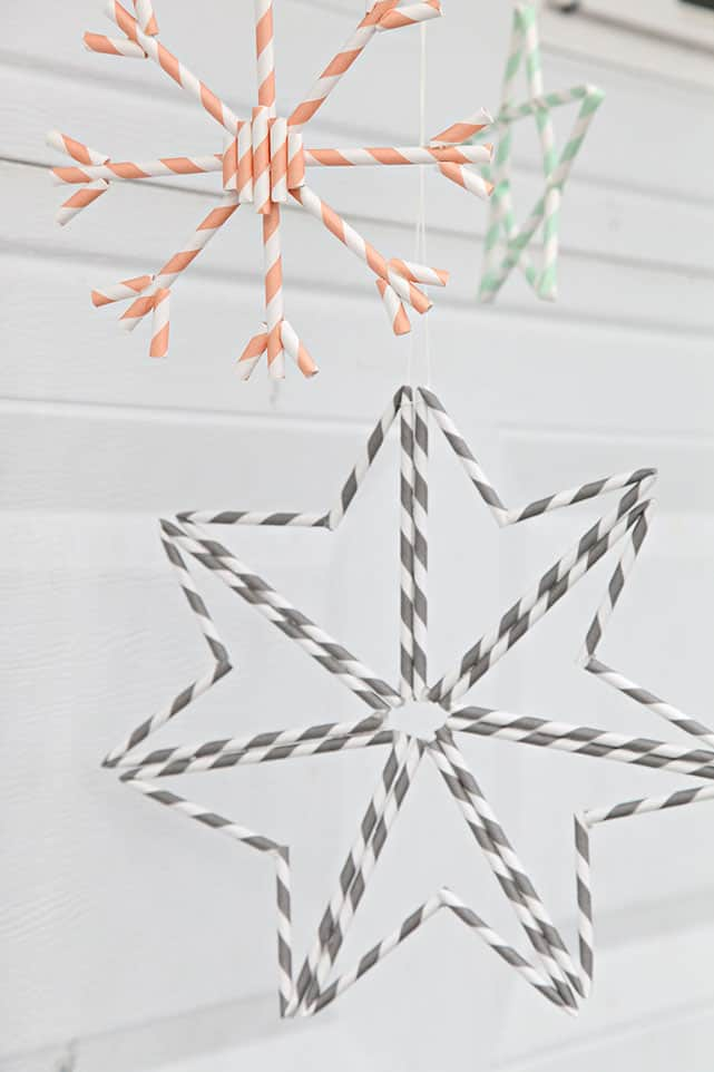 Straw snowflake ornaments