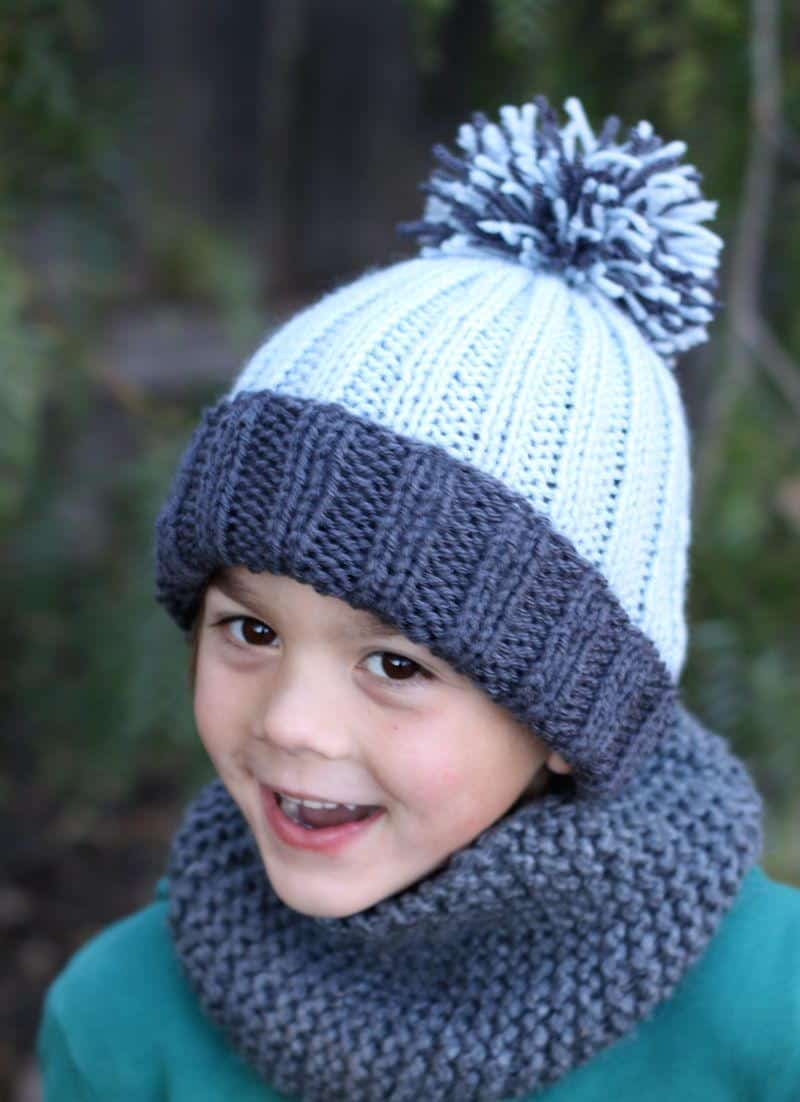 Easy ribbed pom pom hat