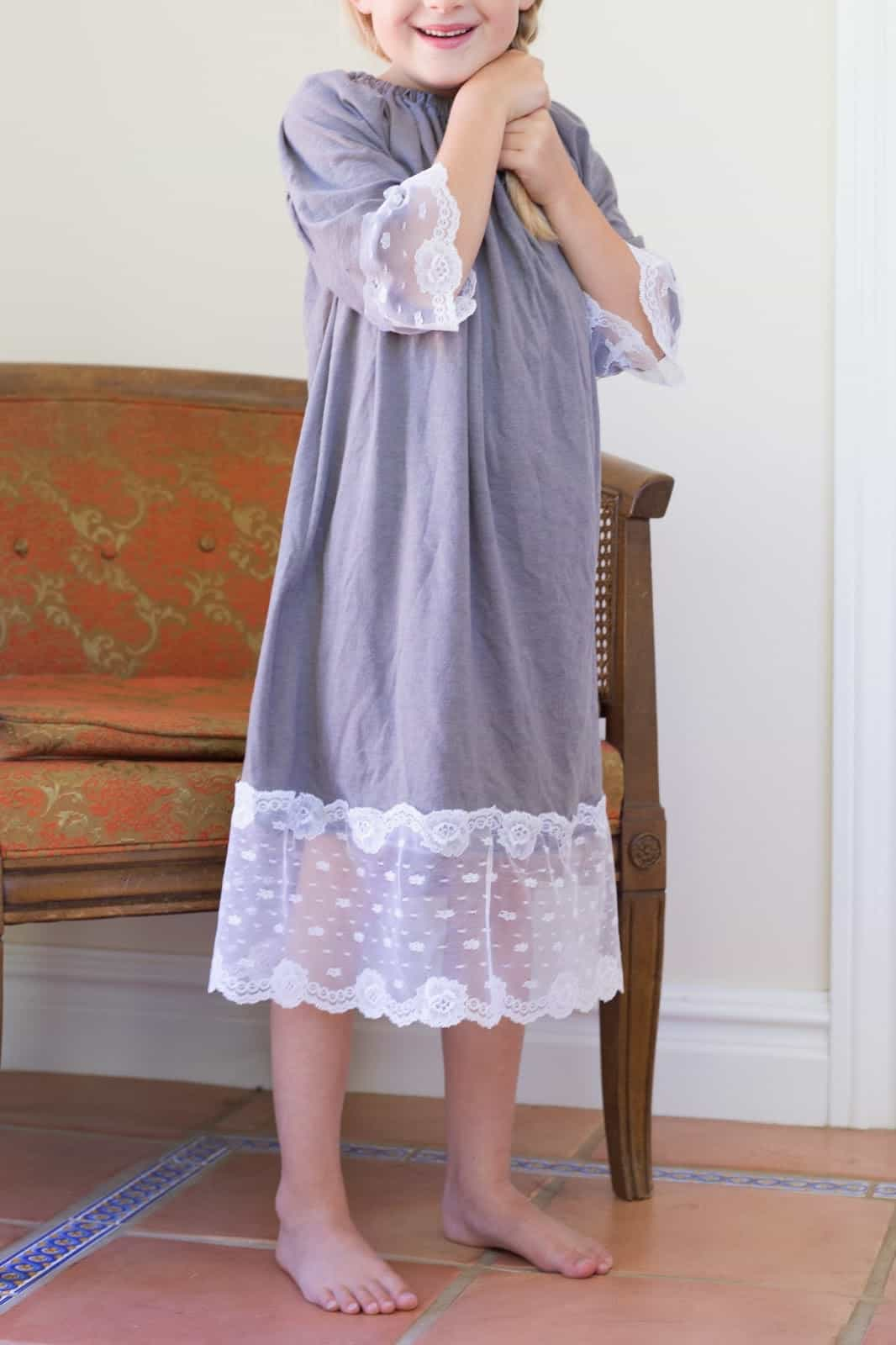 Kids' lace trimmed nightie