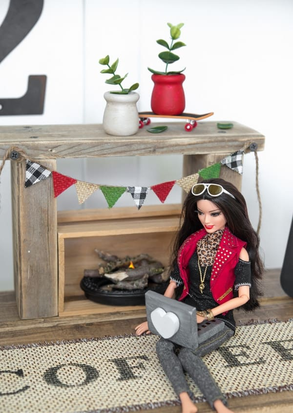 Barbie Furniture Diy In 14 Wooden Barbie Fireplace And Mantle For Your Little Princess Ultracutediy Furniture Dolls