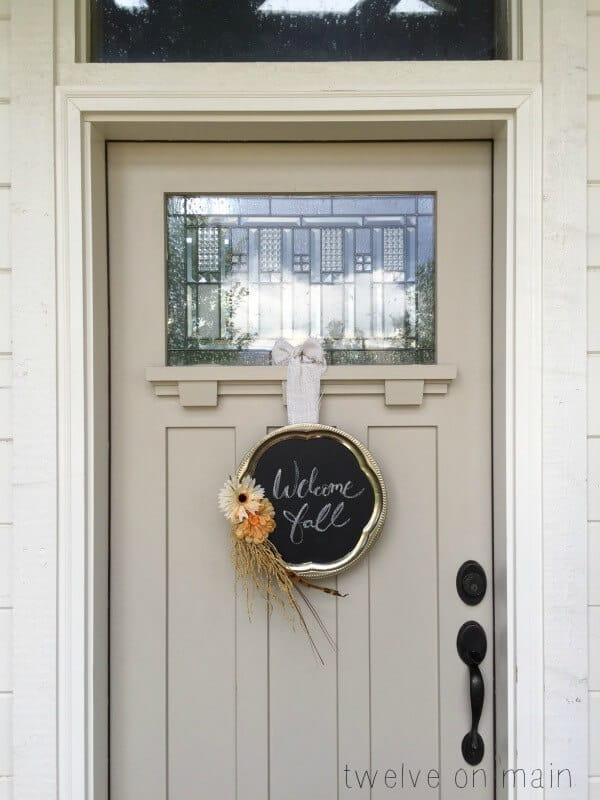 Chalkboard fall wreath 15 DIY Fall Door Wreaths