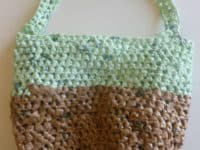 Crocheted plarn tote bag 200x150 A Cleaner Tomorrow: DIY Projects Made From Plastic Bags