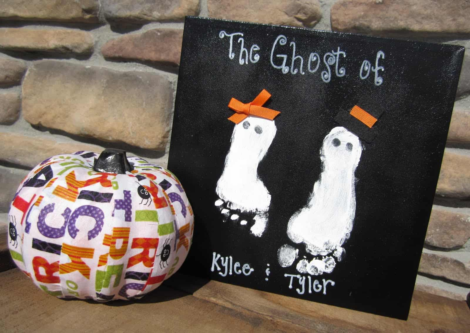 Ghost footprint canvas 15 DIY Halloween Canvas Crafts