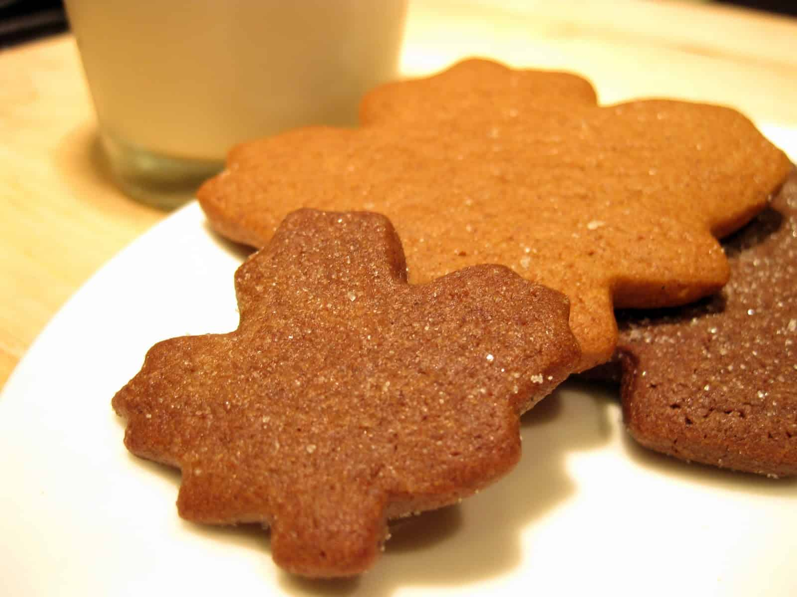 Gingerbread leaves