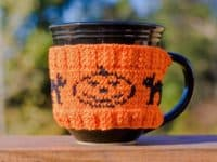 Halloween coffee mug cozy 200x150 Spooky and Cozy: Cool Halloween Themed Knitting Patterns
