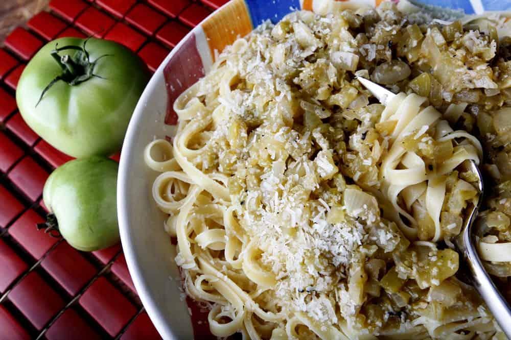 Italian green tomato pasta sauce