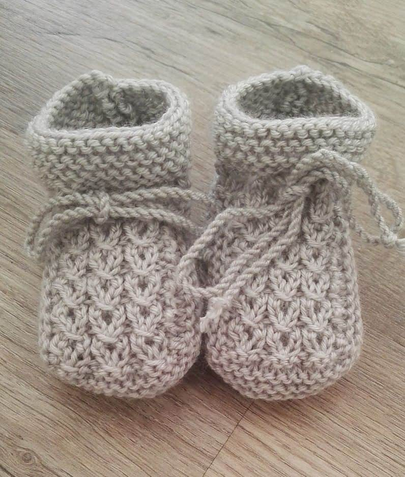 Little Eyes baby booties 15 Cute Knitted Baby Booties Patterns for Fall