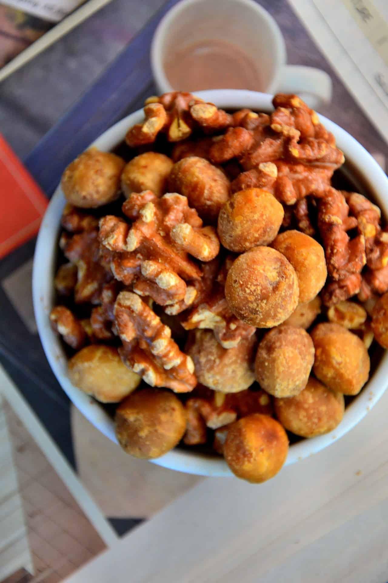 Vegan maple cinnamon roasted nuts