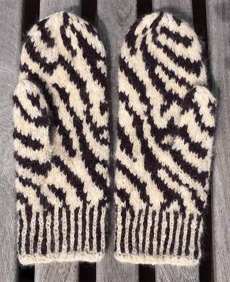 Zebra mittens