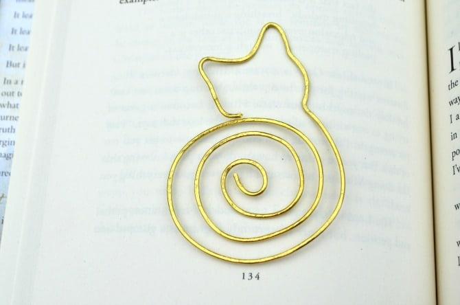 Bent paperclip cat bookmark