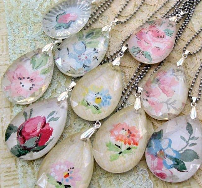 Chandelier wallpaper pendants