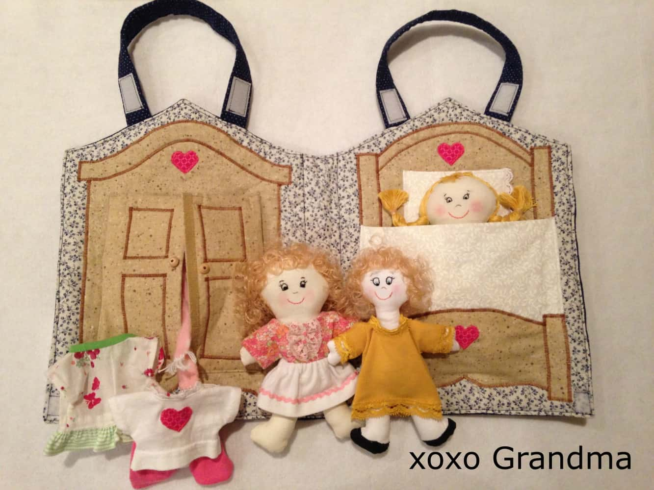 Fabric bag style dollhouse