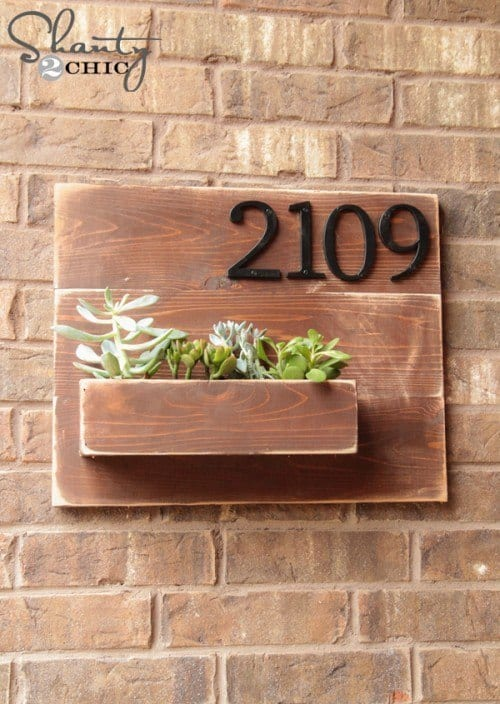 House number pallet planter