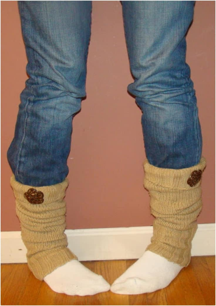 Single shaped button leg warmers 15 Best DIY Leg Warmers