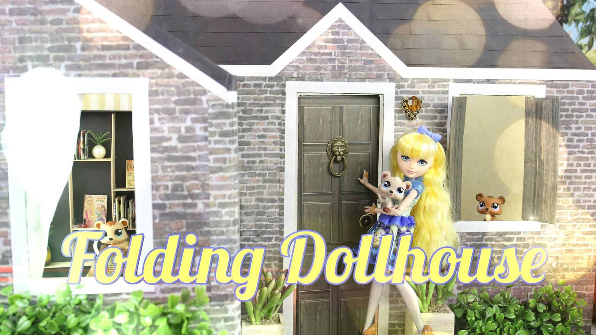 Small folding dollhouse