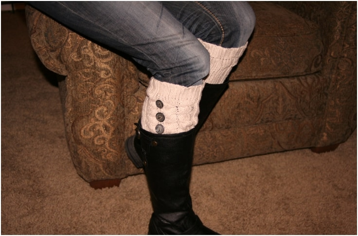 Triple button sweater sleeve leg warmers
